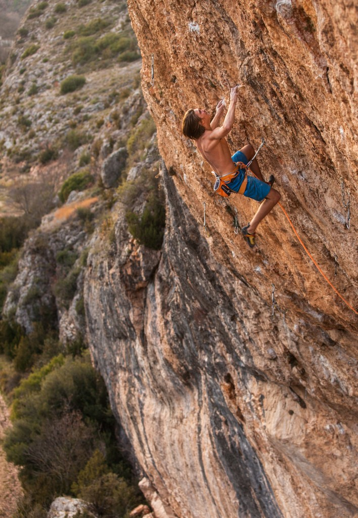 "Ruben in ""Selecció Natural"" (9a) in the cave of Santa Linya in Catalonia/Spain (c) Henning Wang/Madskillzmedia"