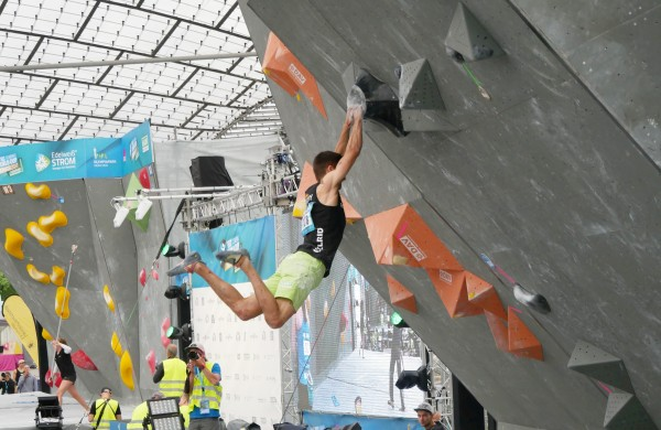 David climbing semi-final of Boulder World Cup Munich 2017